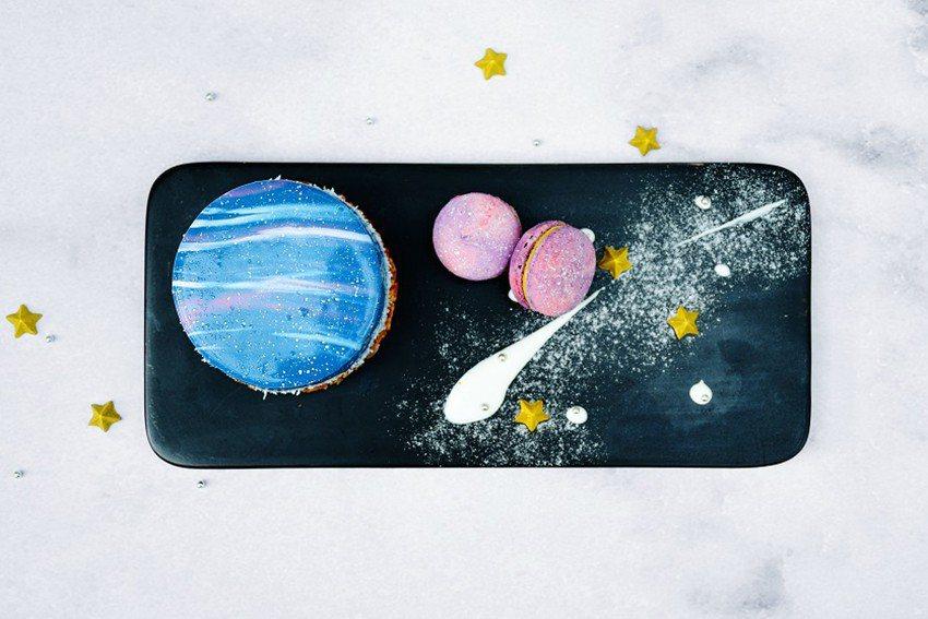 涵碧樓點心坊主廚特製的星空甜點與調飲,視覺味蕾雙重享受。 日月潭涵碧樓大飯店/提...