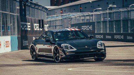 Porsche Taycan以嘉賓之姿現身Formula E總決賽!
