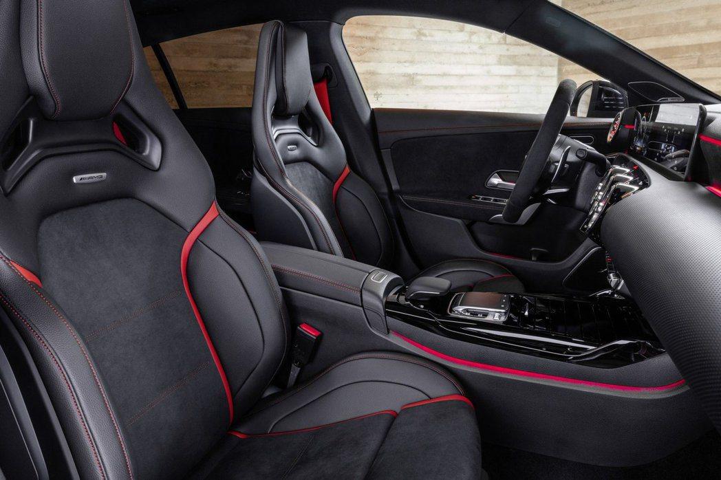 CLA 45 Shooting Brake也是標配俗稱蝴蝶椅的AMG跑車座椅。 ...