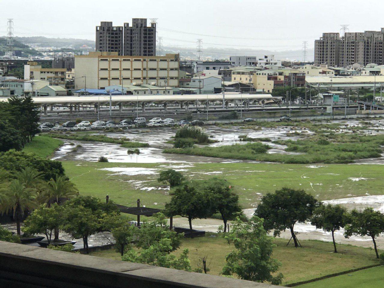 台中市放豪雨假,卻無風無雨,工商界「心在淌血」!報系資料照,圖/讀者提供