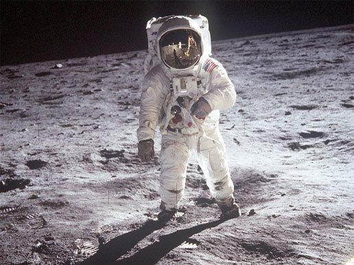 人類成功登月50周年之際,NASA計畫2024年送女太空人上月球的新計畫。 (p...