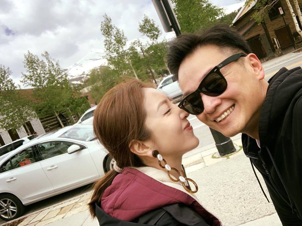 楊謹華(左)與Ben恩愛旅行。圖/摘自臉書