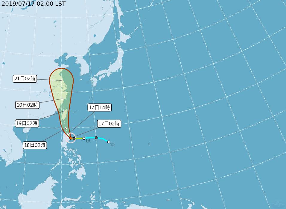 吳德榮說,明天至周六各地皆有陣雨或雷雨,丹娜絲颱風及其外圍環流有為局部地區帶來致...