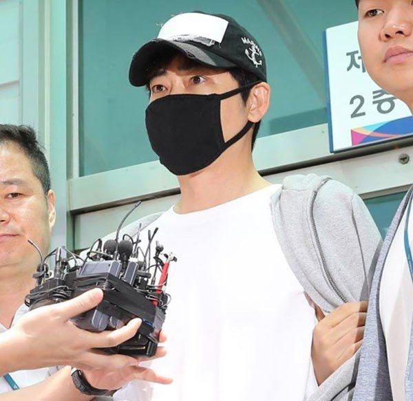 韓星姜至奐目前依涉嫌性暴力及猥褻遭到拘留。圖/摘自韓國中央日報中文網