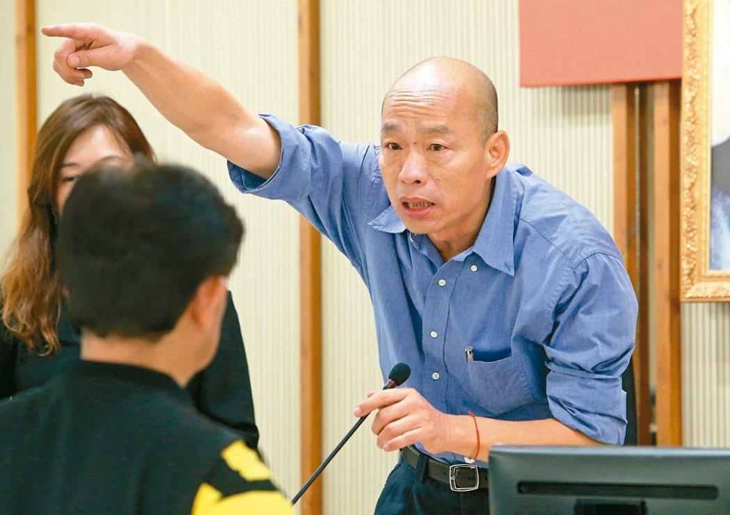高雄市長韓國瑜(右)昨天表示,拚好市政就是競選最好政見。 記者劉學聖/攝影