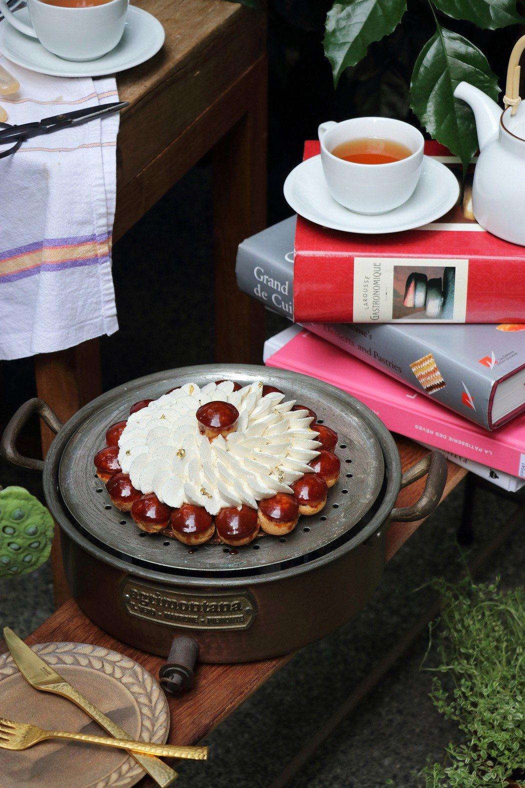 珠寶盒父親節蛋糕「新古典聖多諾黑泡芙塔」。圖/珠寶盒提供