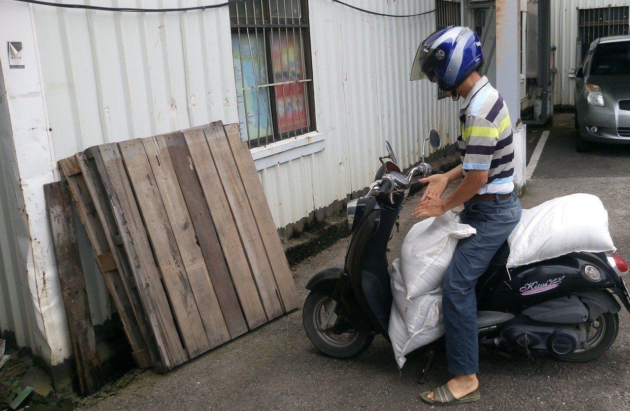 台中市水利局準備2.5個沙包供民眾領取。圖/台中市政府水利局提供)