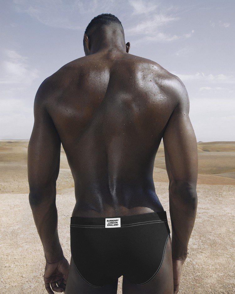 Burberry推出最新7月份B Series系列,主打男仕泳褲。圖/Burbe...