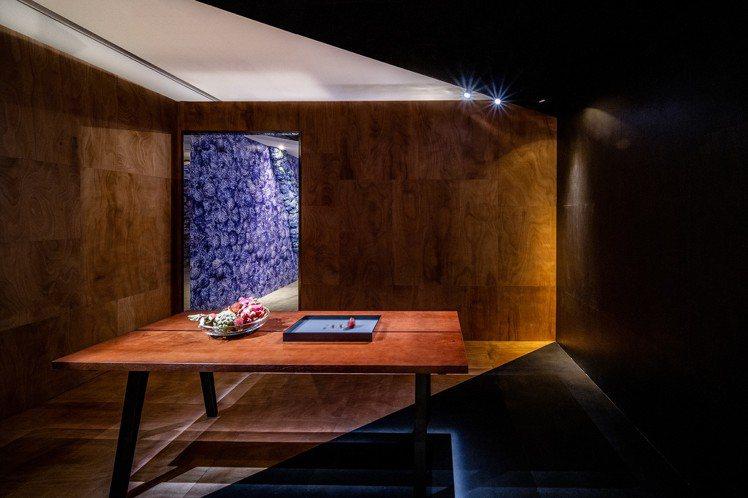Tiffany Blue Book系列,今年首度推出男用高級珠寶系列,讓消費者感...