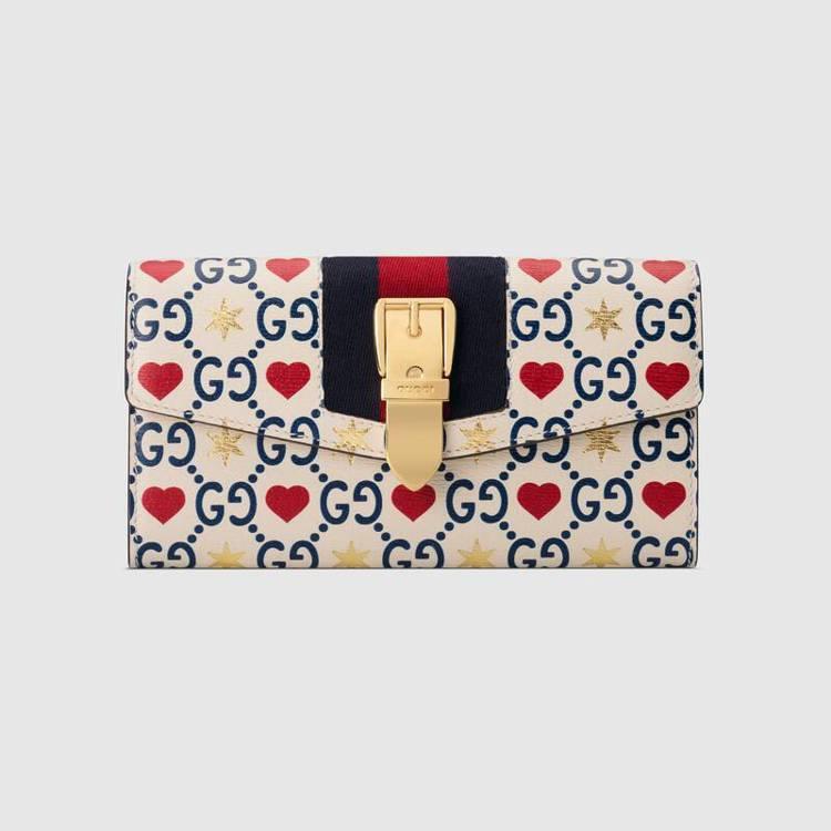 Sylvie系列七夕情人節限定款長夾,34,300元。圖/Gucci提供