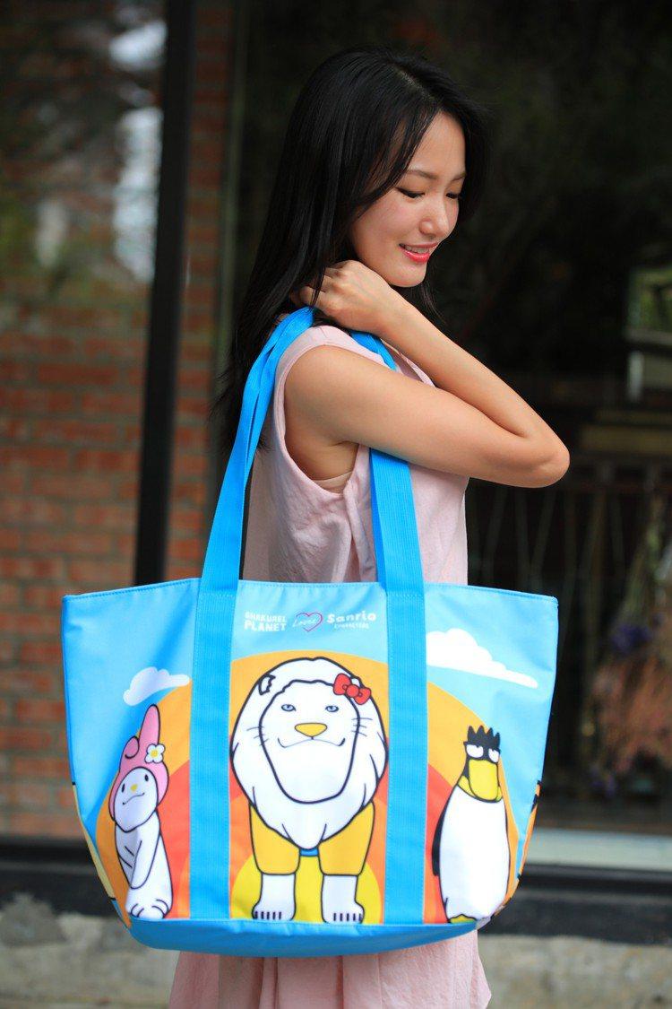 7-ELEVEN即日起至8月27日獨家推出「三麗鷗X戽斗星球伸縮增量購物袋」加價...