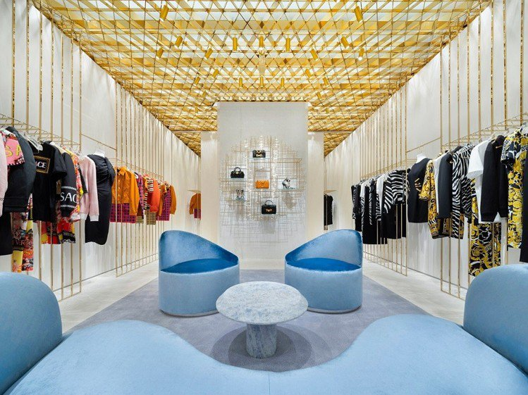 Versace北京國貿商城旗艦店。圖/Versace提供