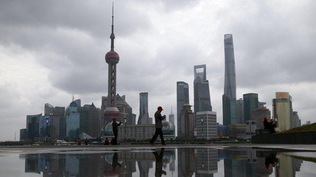 中國經濟成長放緩,北京當局可能祭出更多刺激措施。路透