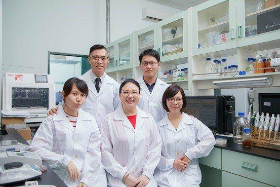 豐華生技頂尖優秀專業的研發團隊。 豐華生技/提供