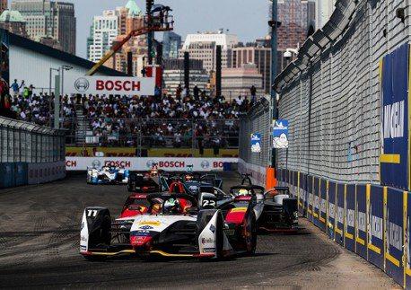 18/19 Formula E 賽季圓滿落幕 Audi Sport 車隊再度寫下光榮歷史性一刻