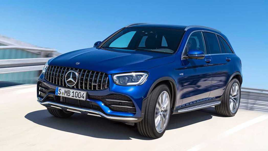 小改款Mercedes-AMG GLC 43 4MATIC。 摘自Mercede...