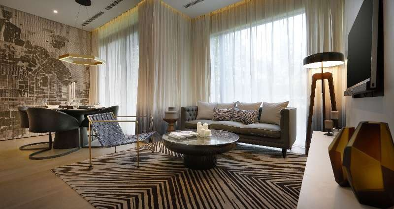 YOO8是梁志天設計團隊與法國著名設計師Philippe Starck 共同合作...