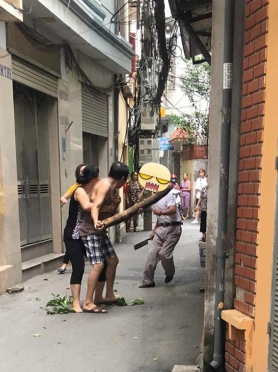 越南有名男孩在全國高中考試與鄰居同學相差一分,加上對方炫耀成績,令他難過得回家哭...