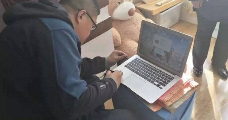 中國知名的地下成人網站「草榴社區」,日前傳出核心的網站管理員被黑龍江的警察逮捕。...