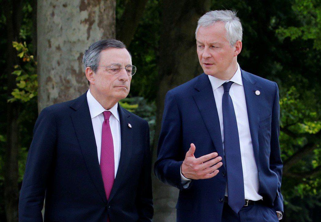 法國財政部長勒麥爾(右)擔心科技公司入侵本屬政府管理營運的領域。  路透