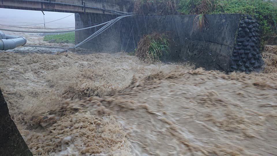 丹娜絲為蘭嶼帶來豪雨,島上野溪山澗暴漲,幸未釀災。圖/魯邁