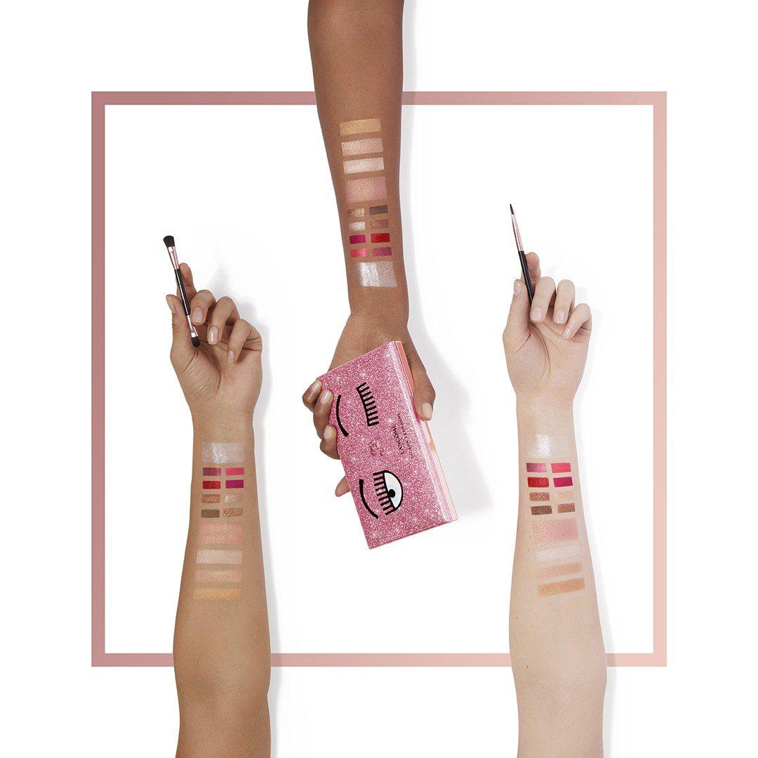蘭蔻&Chiara Ferragni粉紅眨眼系列眼唇頰彩盤,售價2,980元。圖...