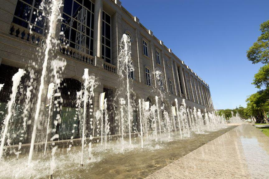BELLAVITA 內外有5座噴泉池。 圖/BELLAVITA提供