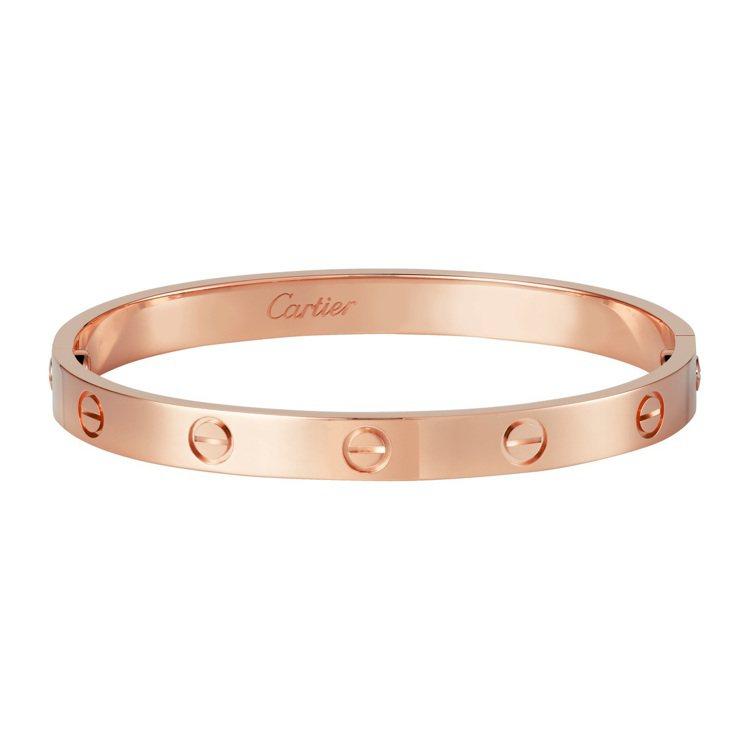 LOVE系列經典款玫瑰金手環,19萬3,000元。圖/卡地亞提供