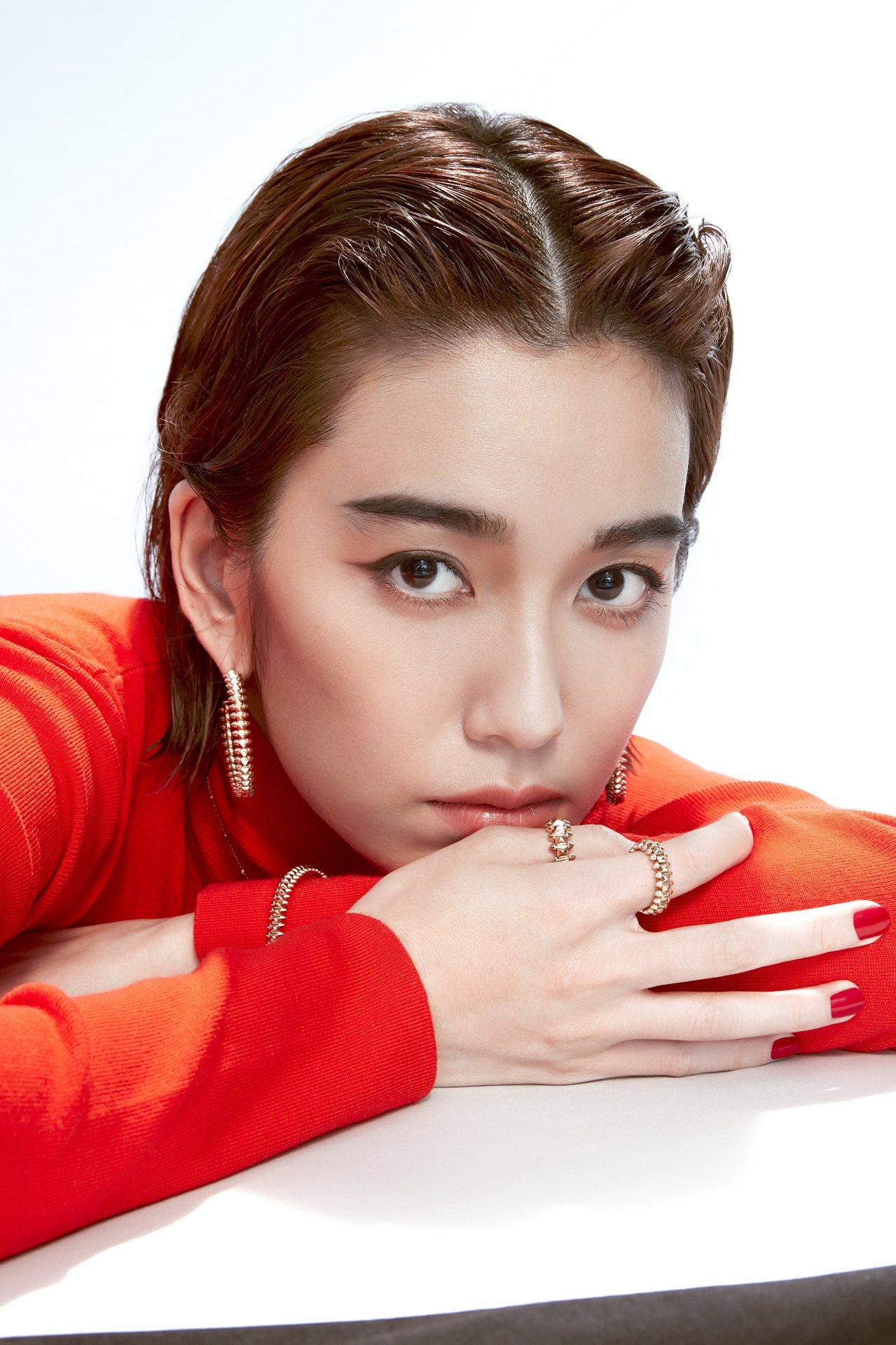 卡地亞珠寶形象大使陳庭妮詮釋Clash de Cartier系列的衝突對比之美。...