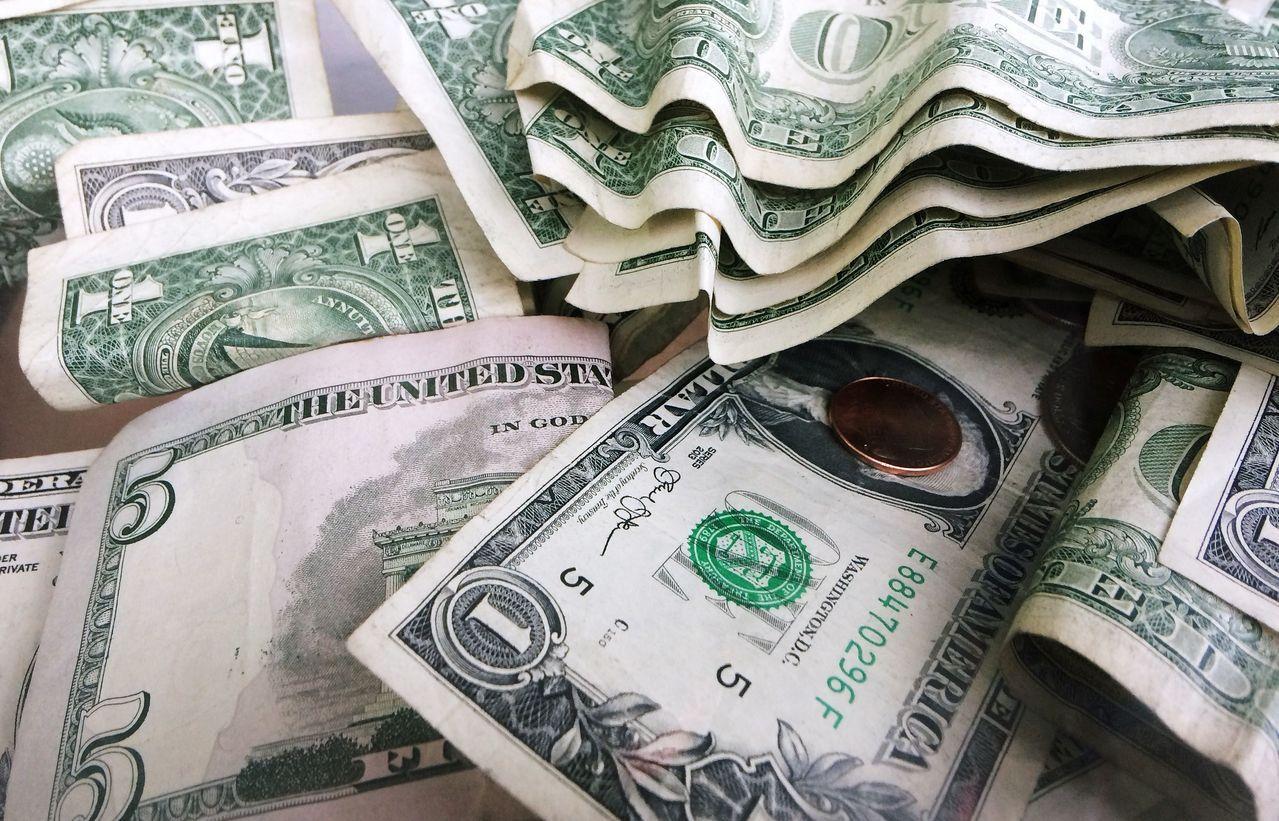 國際貨幣基金(IMF)評估,明年全球GDP恐掉0.8個百分點。美聯社