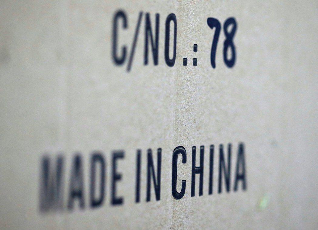 美中貿易戰開戰一年,日經新聞研究發現,已有逾50家外國和中國當地廠商宣布或考慮將...