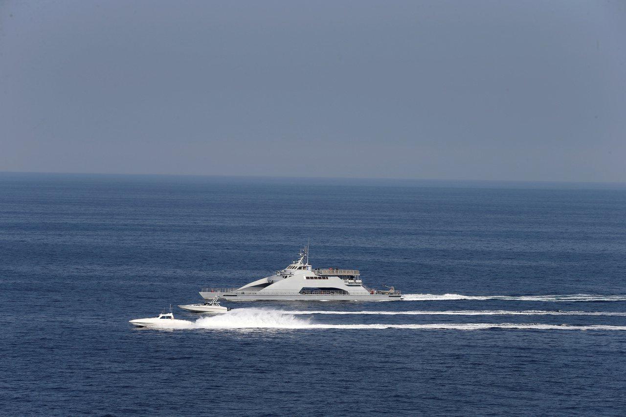 伊朗革命衛隊船隻。(路透)