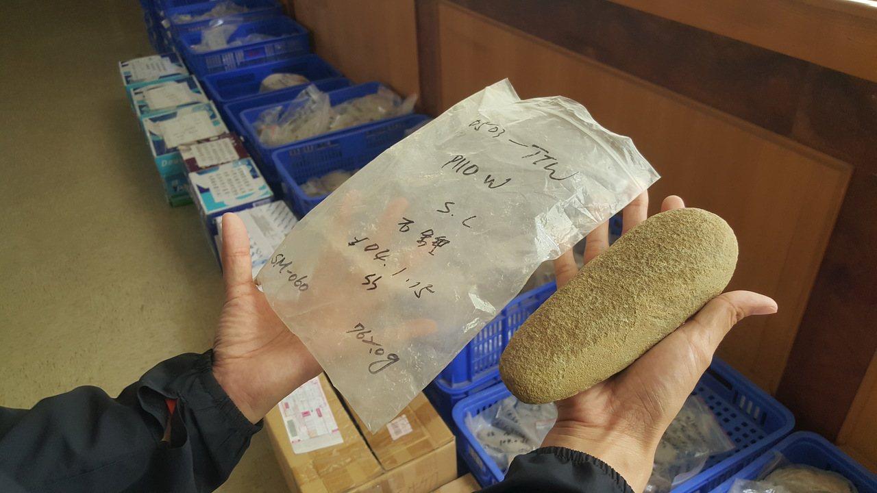 苗栗縣在石器、陶質文化遺址發掘出的古文物,因欠缺適當展示、保存場所,長期在倉庫堆...