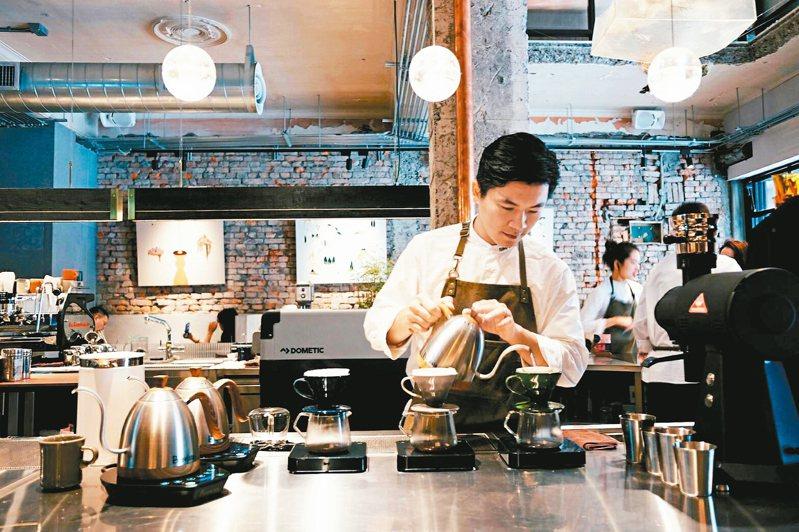 吳則霖是首位在世界冠軍咖啡師大賽(WBC,World Barista Championship)中奪冠的台灣咖啡師。 圖/黃仕揚