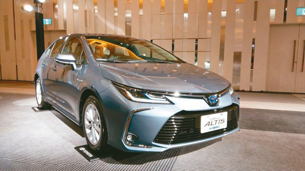 Altis Hybrid平均油耗達25.8km/L,起步時搭配電動馬達提供輕快的...