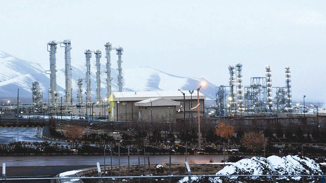 伊朗提出以允許國際檢查交換美國解除制裁,圖為伊朗重水核設施。 美聯社