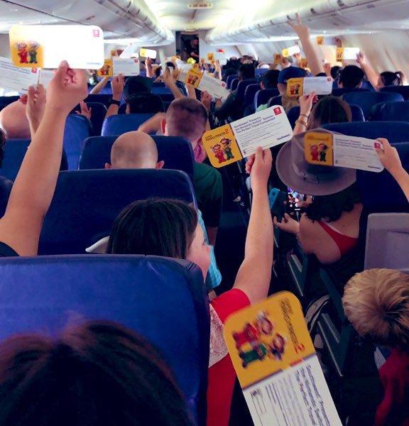 任天堂為聖地牙哥動漫展宣傳,超佛心準備免費Switch和遊戲片贈送旅客。圖擷自推...