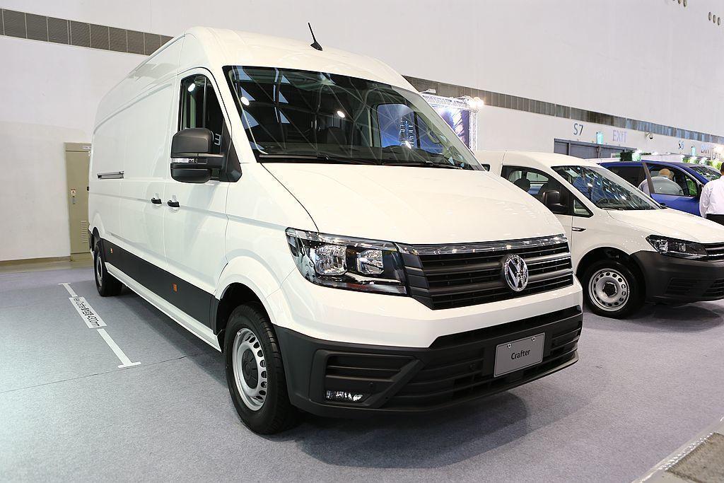 除了現場展示的長軸高頂貨車,台灣福斯商旅也規劃引進中軸高頂版的Crafter V...