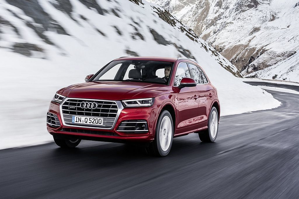最新推出的19年式Audi Q5豪華運動休旅,導入更周全的安全防護系統,不僅大幅...
