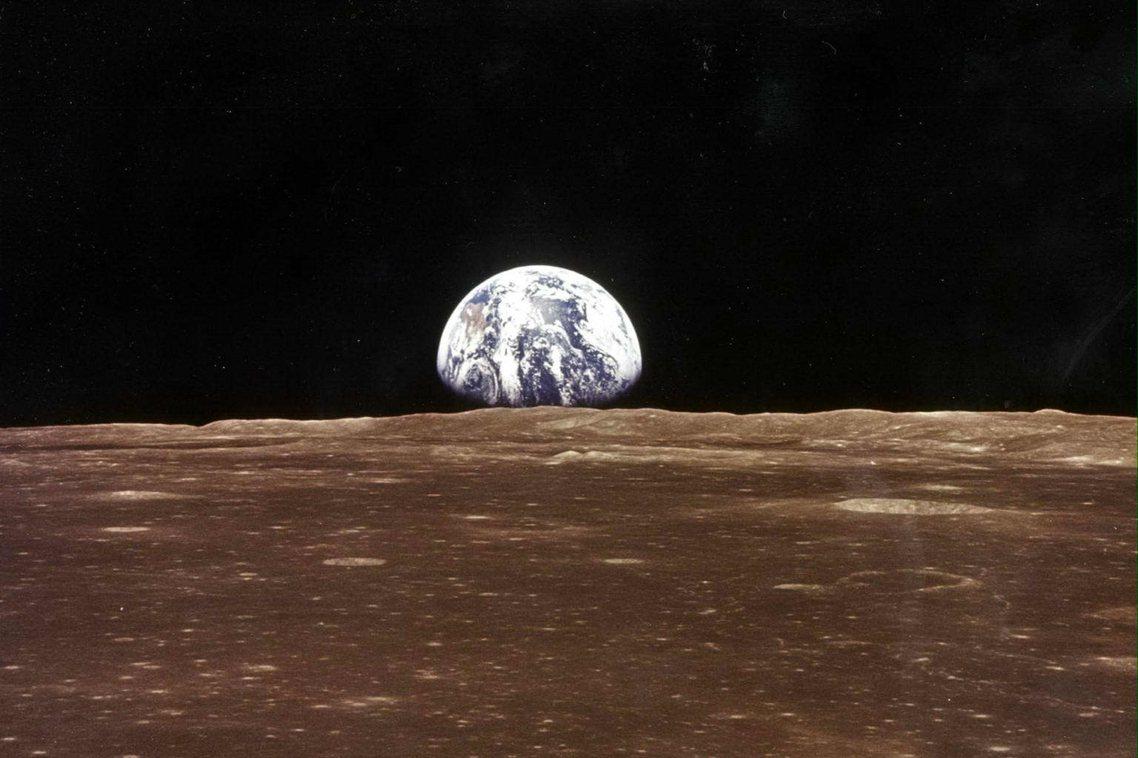 在卡莉的記憶裡,爺爺不常談起登月往事,但曾告訴過她,登月任務對自己最深遠的影響,...