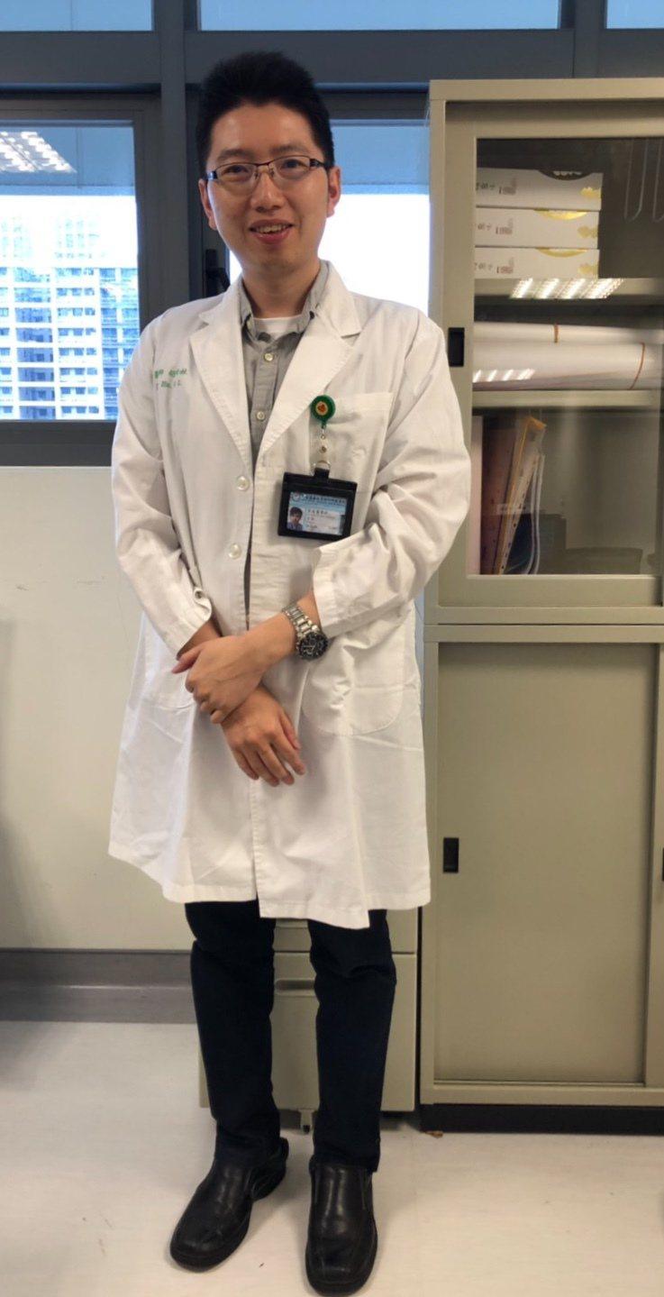 中國醫藥大學新竹附設醫院家醫科主任胡松林醫師說,「年長者的肺部保健重點,就是要趨...