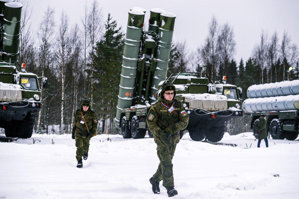 美國方面擔心,S-400與俄國軍事顧問的進駐(圖),會影響北約的在地安全;如果土...