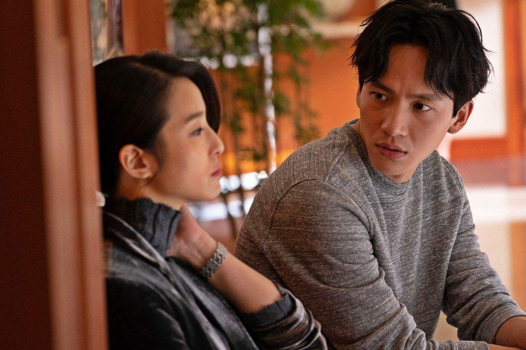 曹晏豪與賴雅妍在「聖人大盜」有精彩對手戲。圖/双喜提供