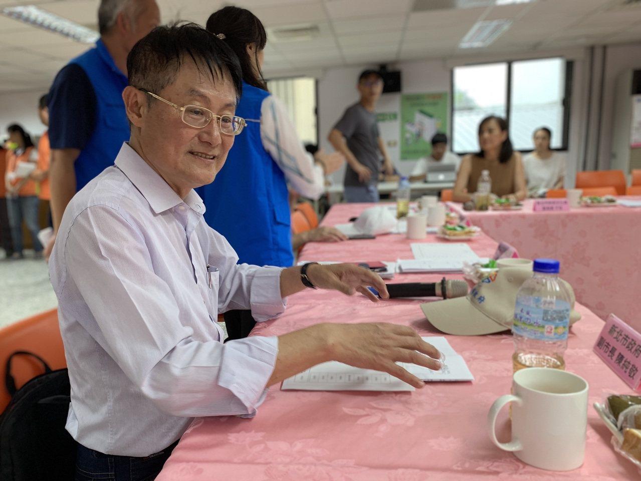 新北市副市長陳純敬日前也到坪林與里長座談,了解地方建設需求。圖/新北市民政局提供
