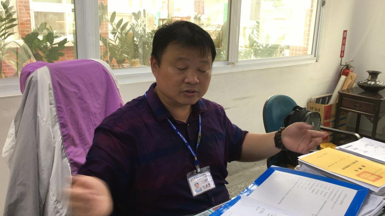 高雄市長韓國瑜妻子李佳芬位於雲林縣古坑鄉的農舍違建風波延燒14天,丈量會勘時間一...