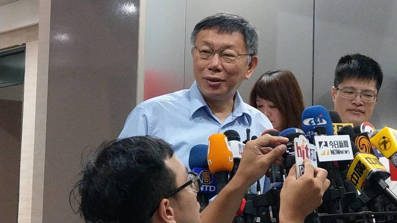 台北市長柯文哲上午在市府受訪。記者楊正海/攝影