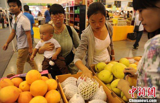 今年上半年廈門進口台灣水果5.5萬噸,居大陸首位。中新社資料照片