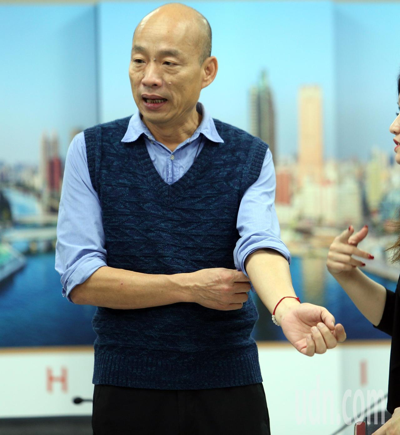 高雄市長韓國瑜上午表示,市府人事調整是勢在必行,已經開始徵詢人選。記者劉學聖/攝...