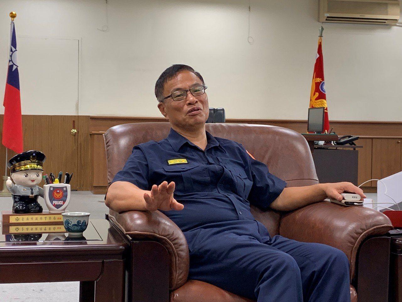 台南市警局長黃宗仁回任警政署副署長,外界對他被拔局長原因傳聞四起,他今天沒有多做...