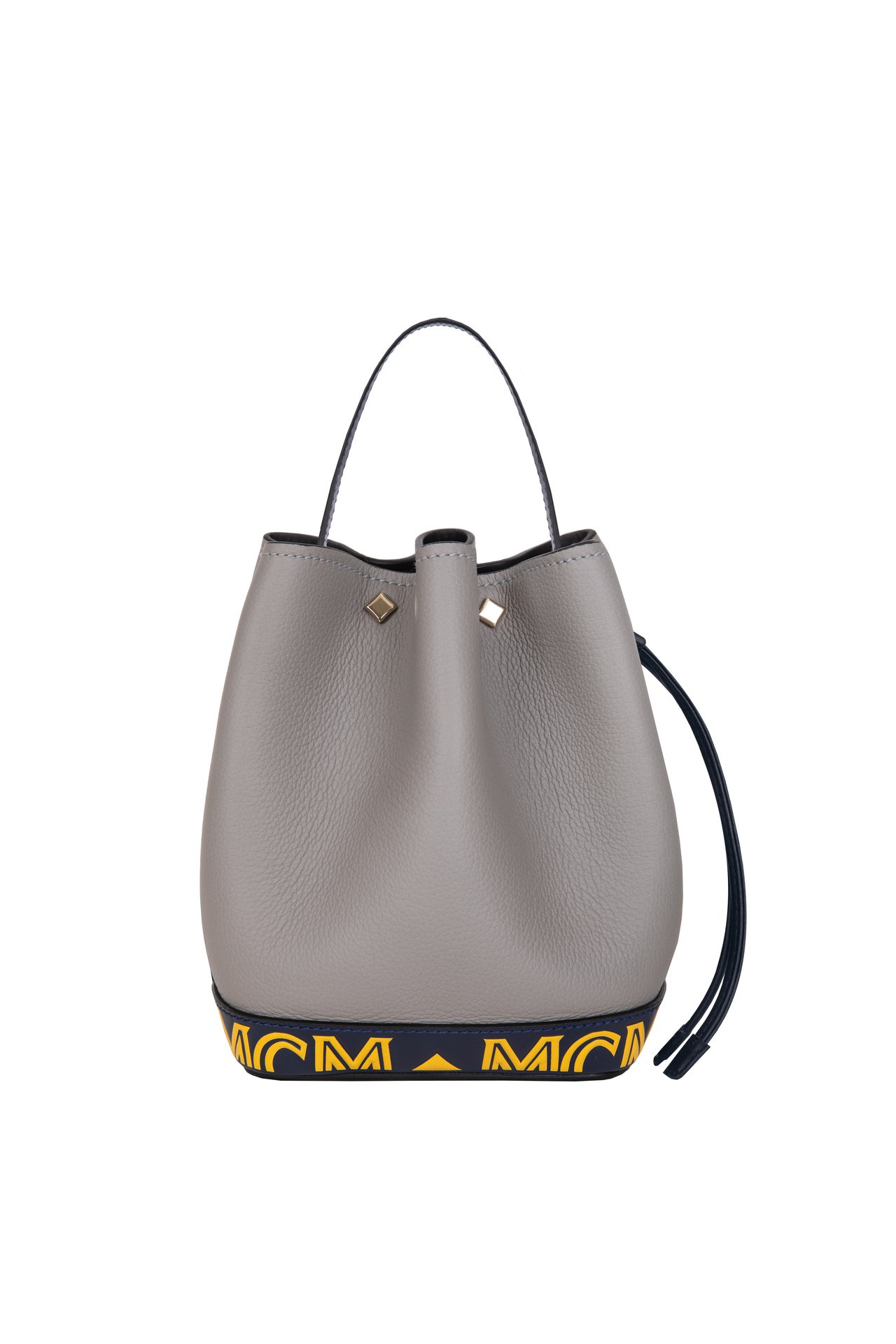 Milano灰色水桶包,售價41,000元。圖/MCM提供